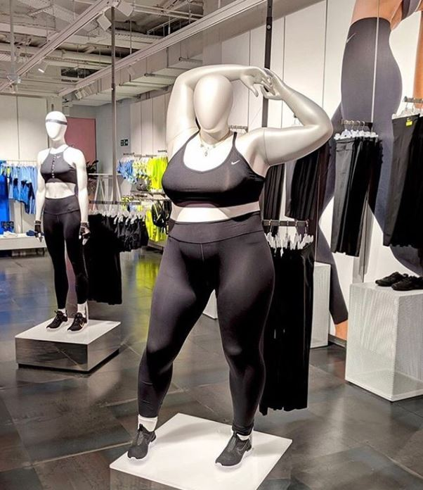 moda curvy estate nike